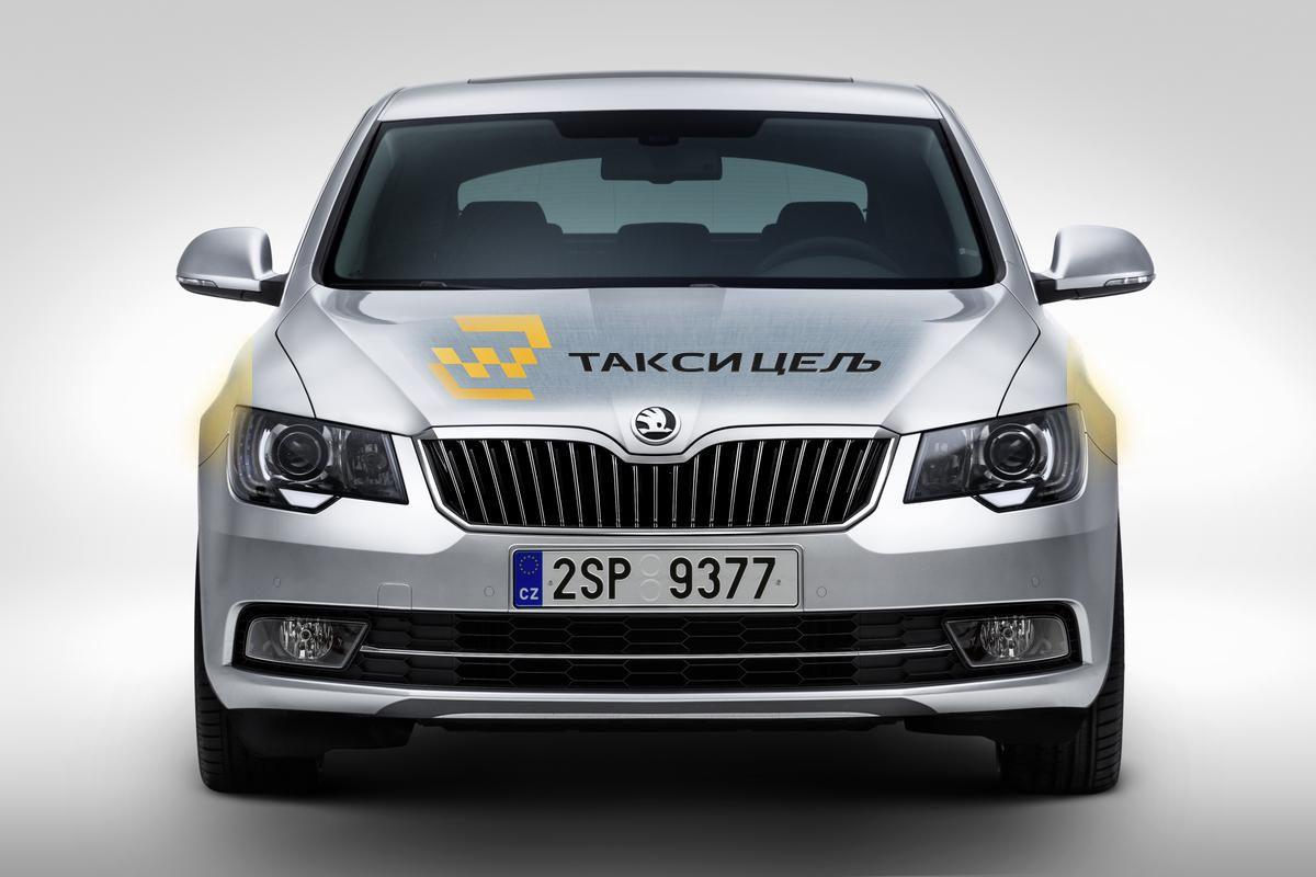 Рекламное оформление автомобиля такси - дизайнер Denis_Koh