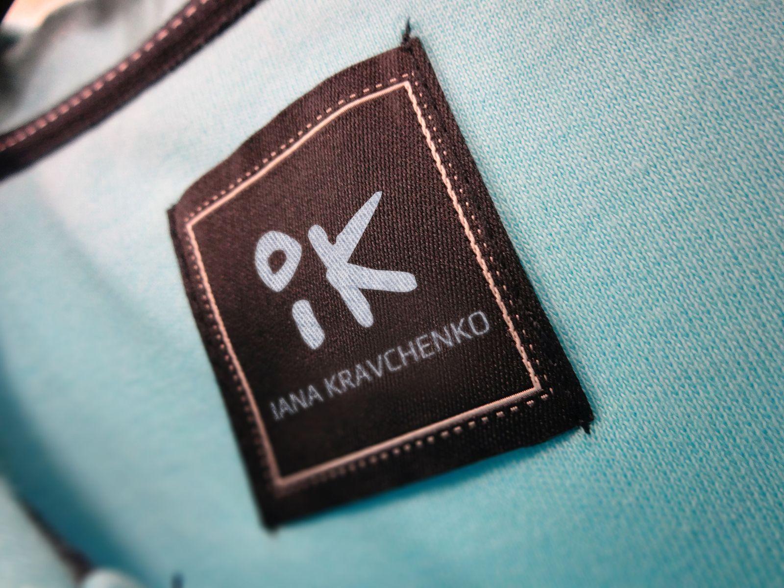 Логотипа и фир. стиля для дизайнера одежды - дизайнер yaroslav-s